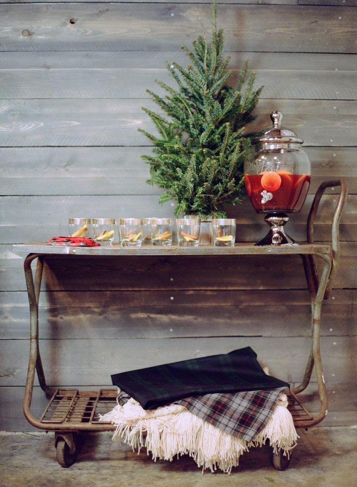 15 Beautiful Christmas Vignettes